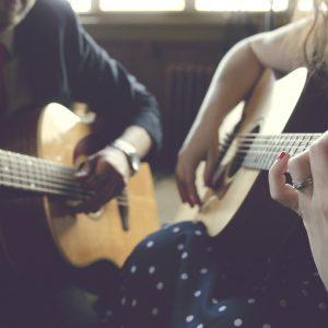 Apprendre à faire de la guitare, comment y parvenir ?